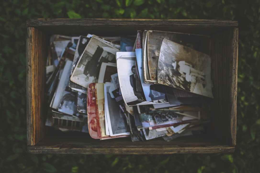 people-vintage-photo-memories.jpg